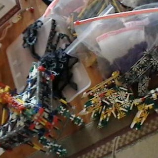 Some Knex Weapons 1.jpg