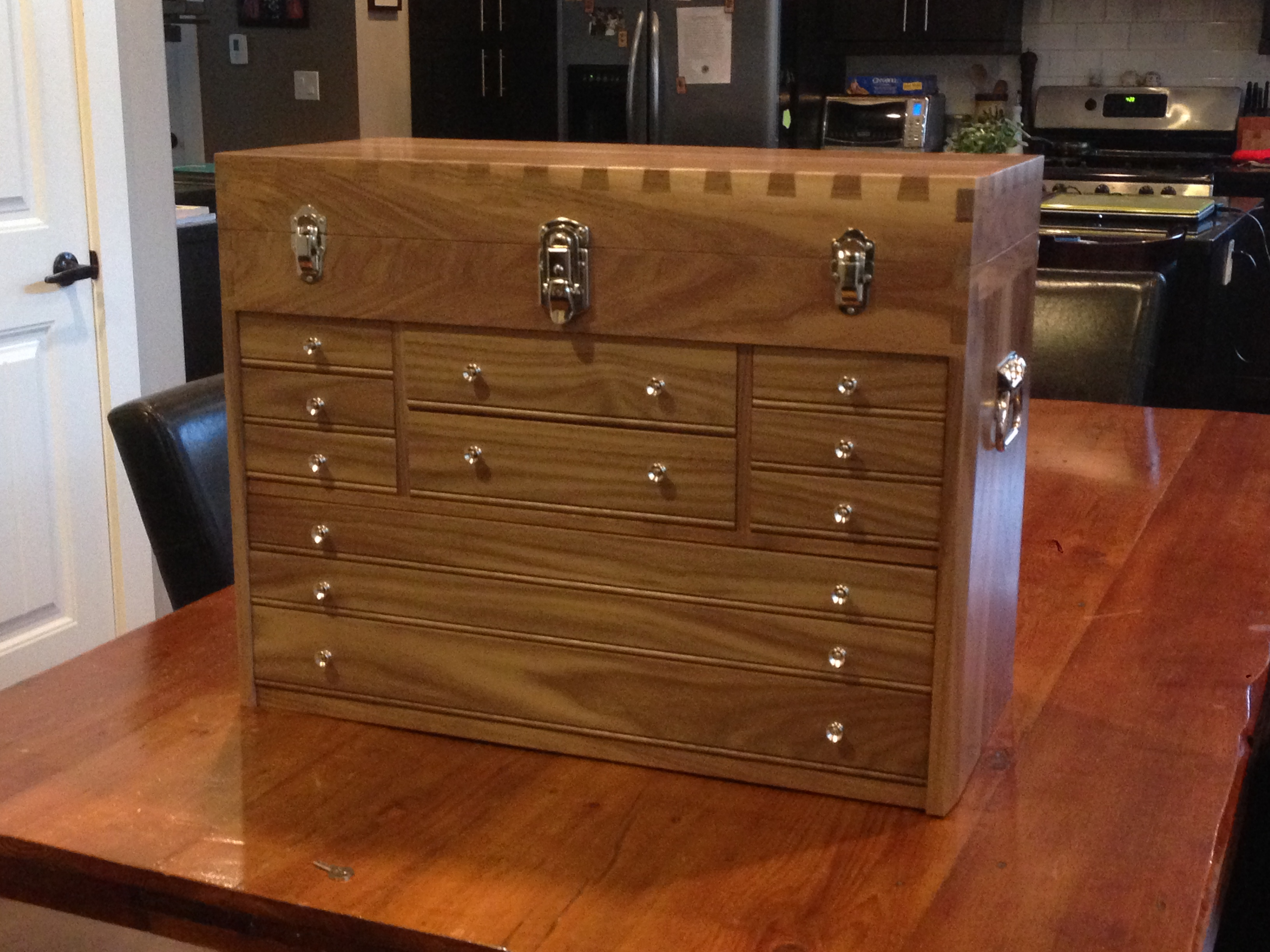 Picture of A Dovetail Toolchest