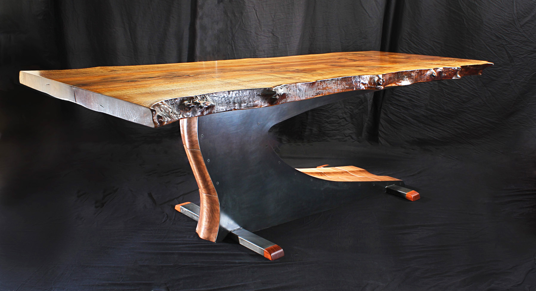 Picture of Cantilevered Table