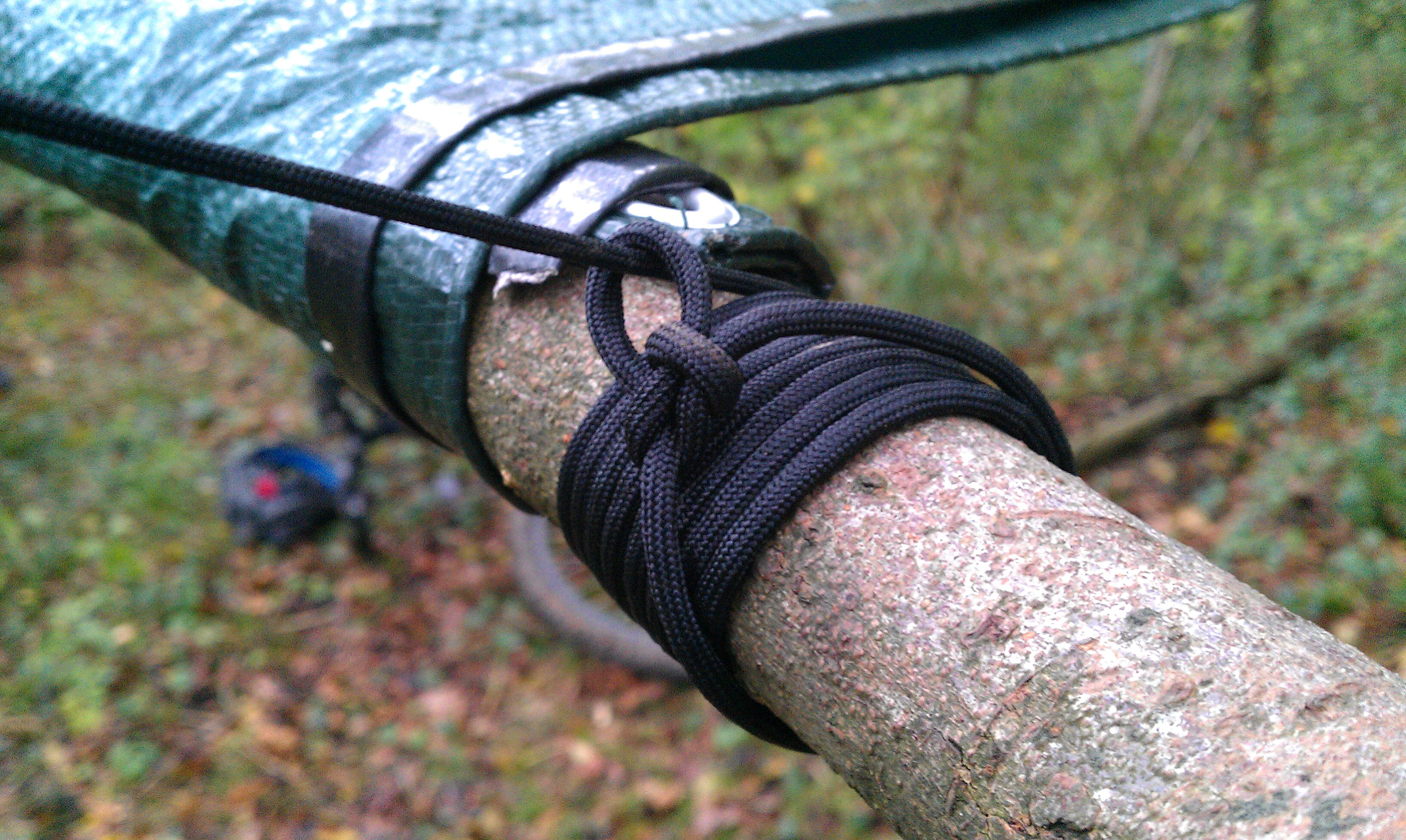 Picture of Tie Paracord to Sticks