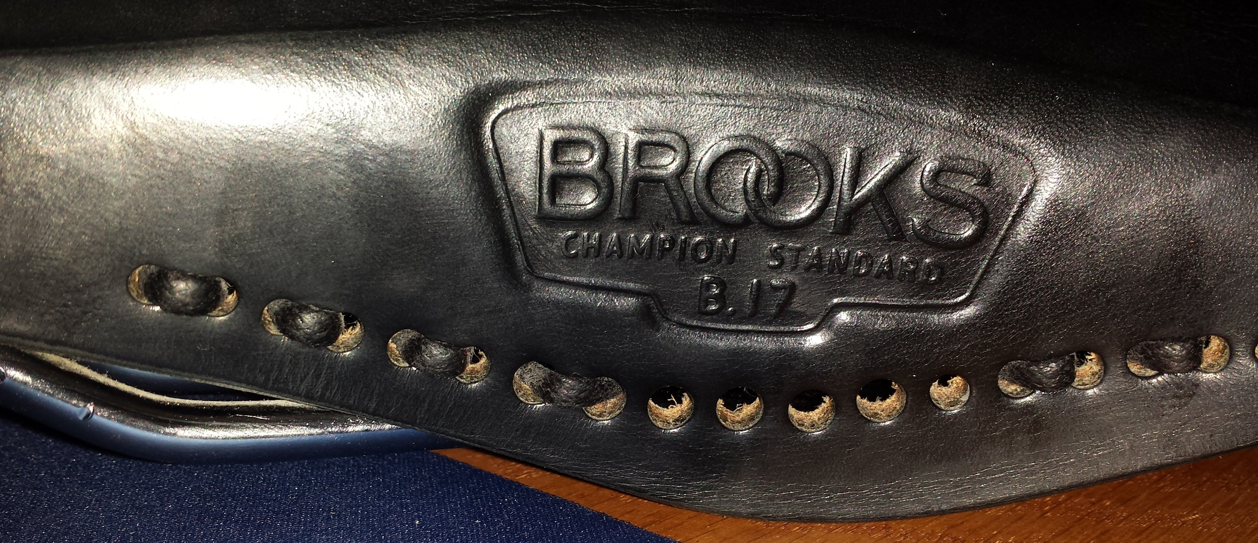 Picture of How to Lace a Brooks Saddle.