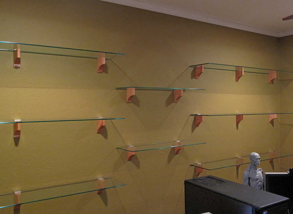 Picture of Cantilever Glass Shelving