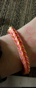How to Make a Fishtail Bracelet Using Your Fingers