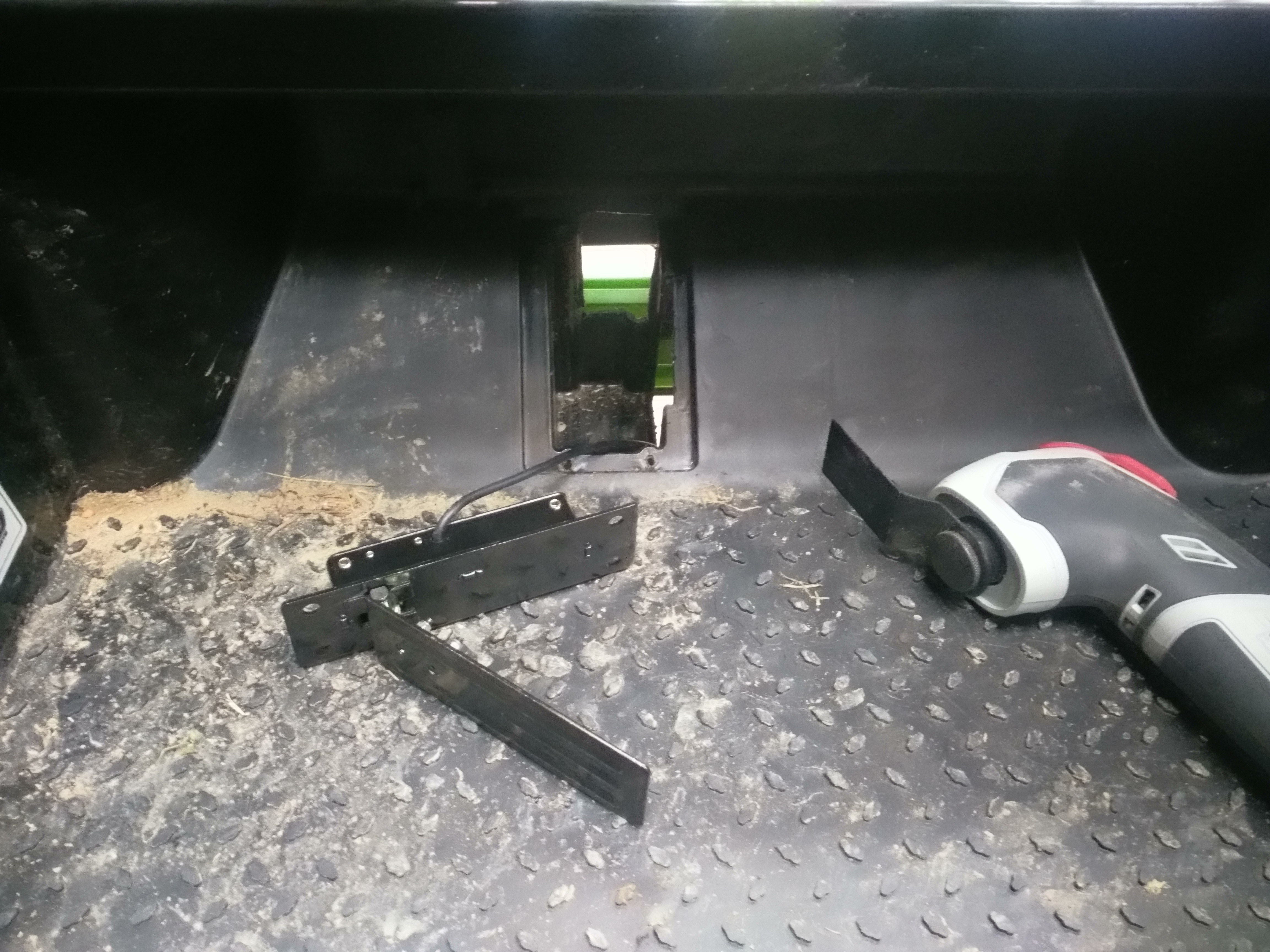 Picture of Mount Throttle and Brake Pedals