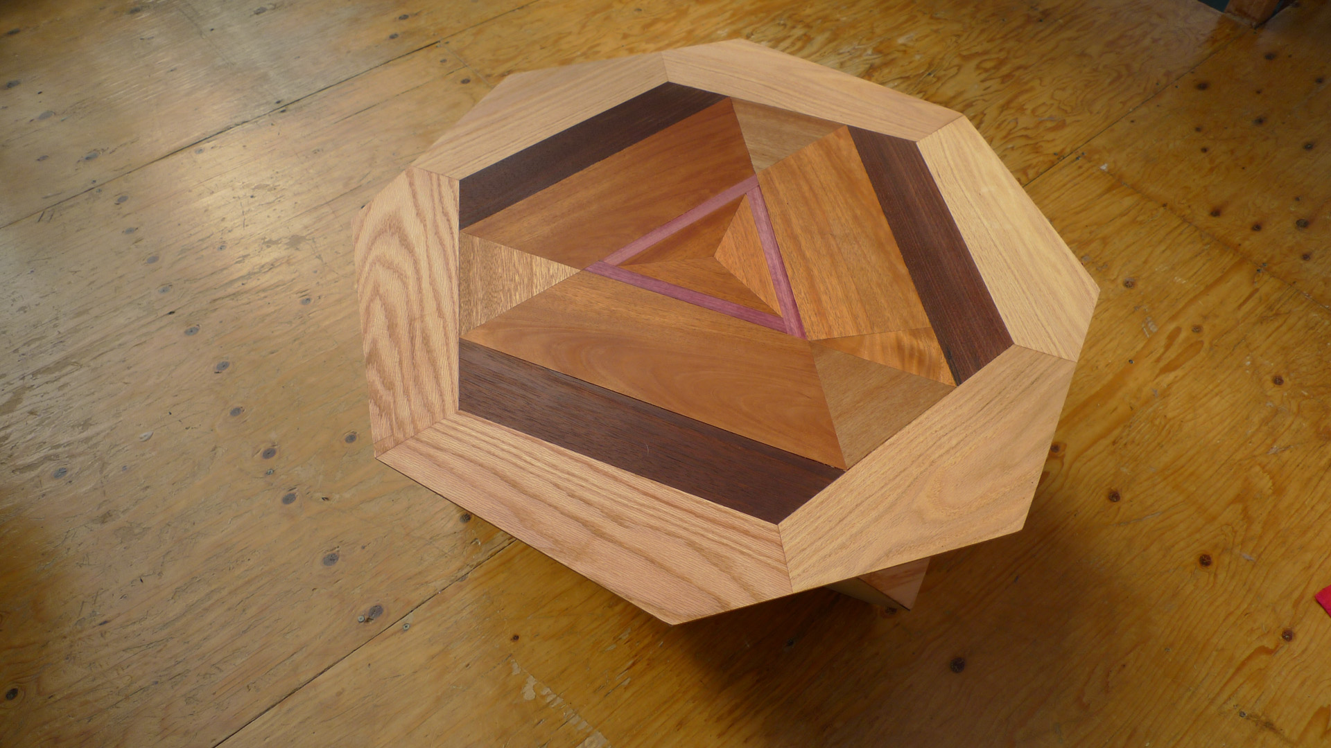 Picture of Tetra Table