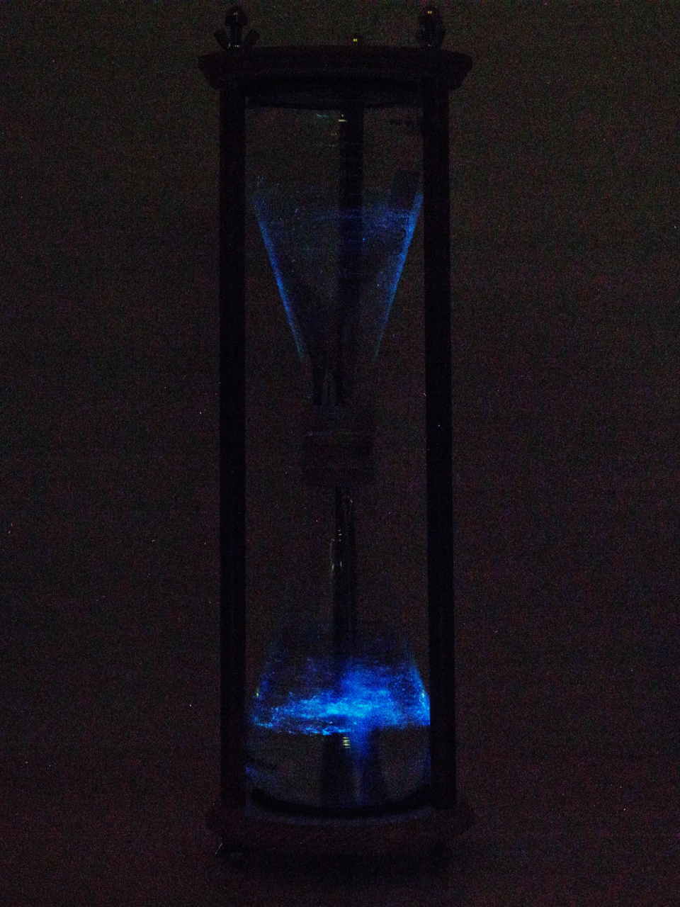 Picture of The Light Fountain: a Bioluminescent Hourglass
