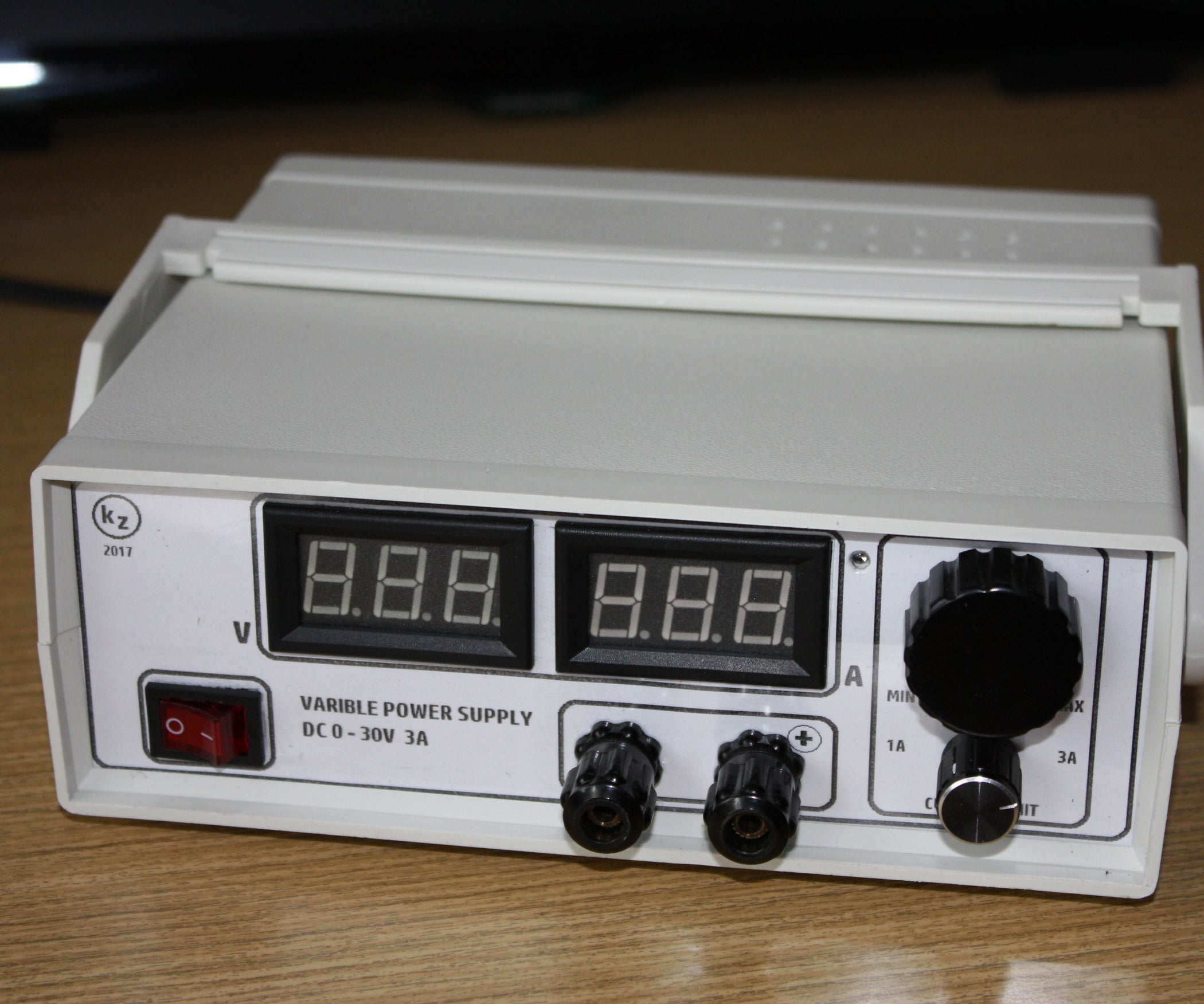 Small Variable Power Supply 4 Steps With Pictures How To Build A Simple Current Limiting Bench