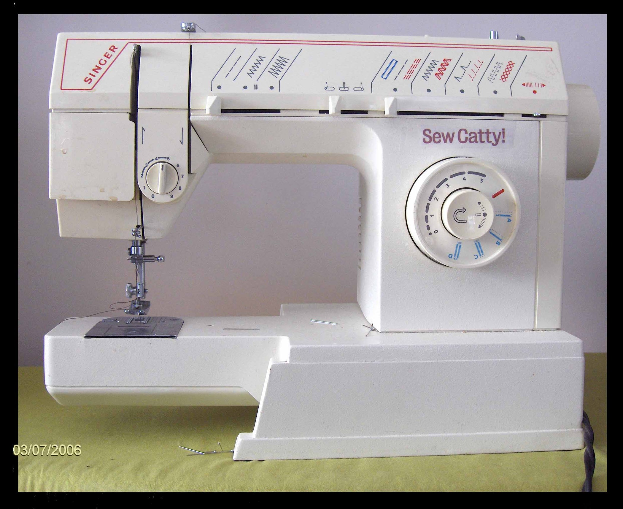 How to Thread a Sewing Machine : 12 Steps - Instructables