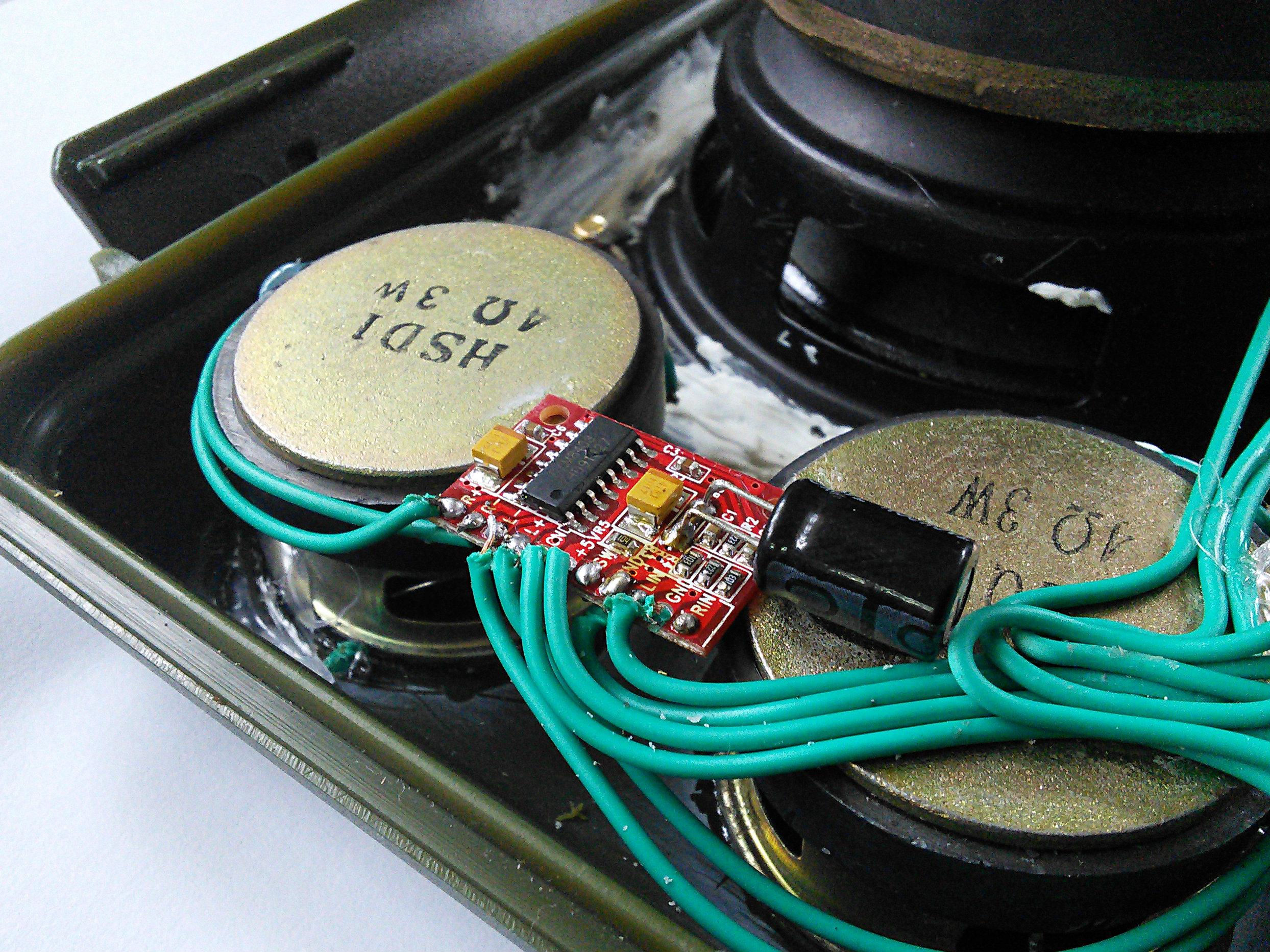Picture of Installing the Full-range Speaker's Amplifiers