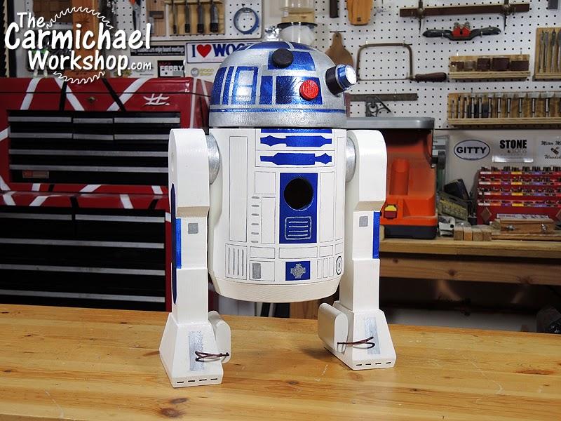 Picture of R2-D2 Birdhouse