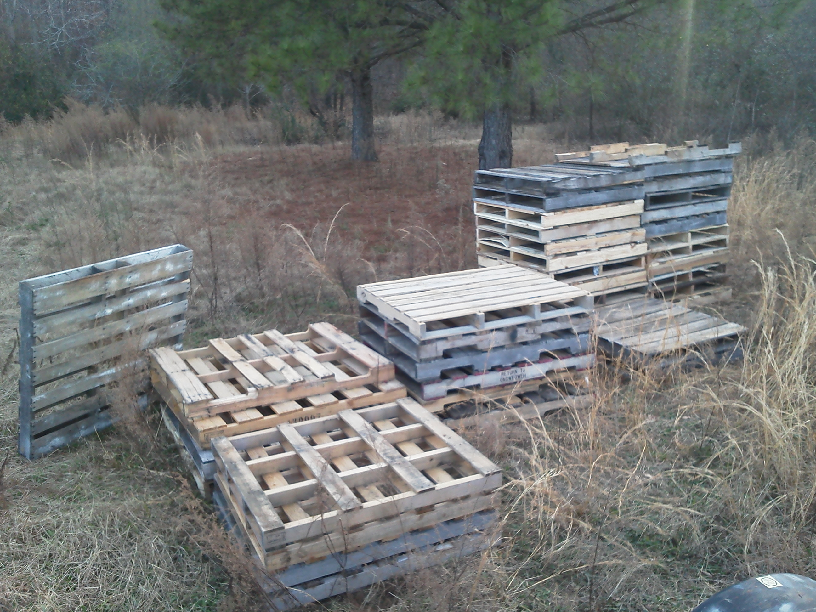 Picture of Gather Supplies/Disassemble the Pallet