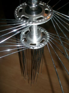 Lacing the Wheel 4 ( Insert the Outer Spokes Into the Hub )