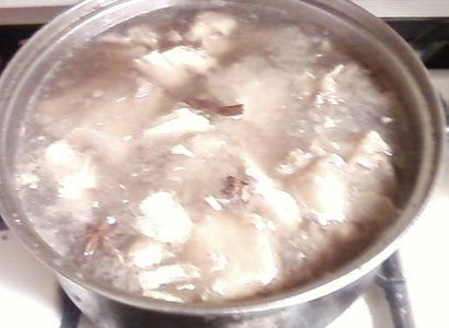 Braised Tendon Step 3/Oxtail Step 2: Drain the Beef Tendon/start Simmering the Oxtail!