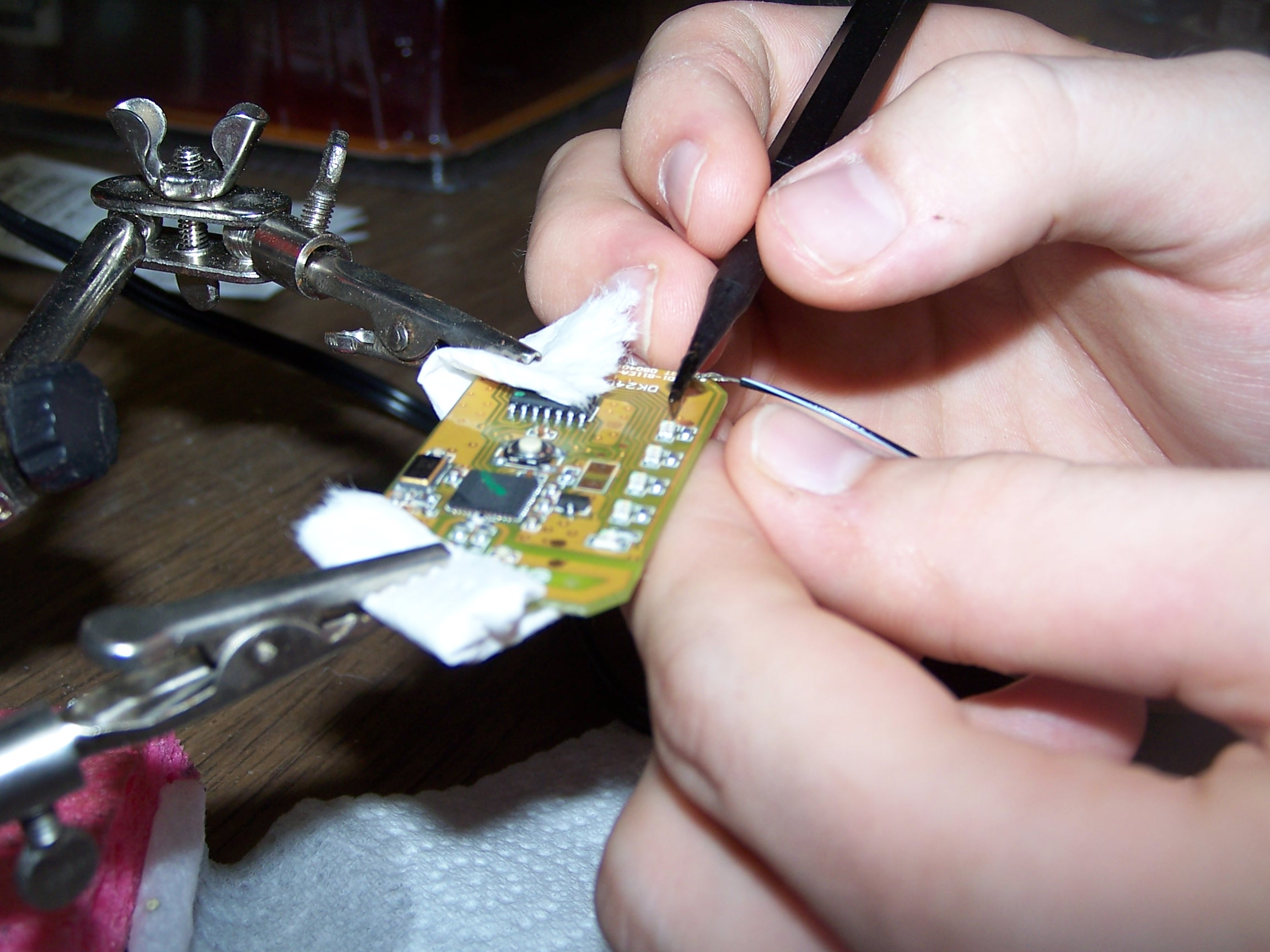 Picture of Solder the LEDs to the DB9 Connectors