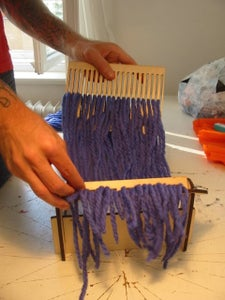SET UP YOUR NEW LITTLE LOOM!