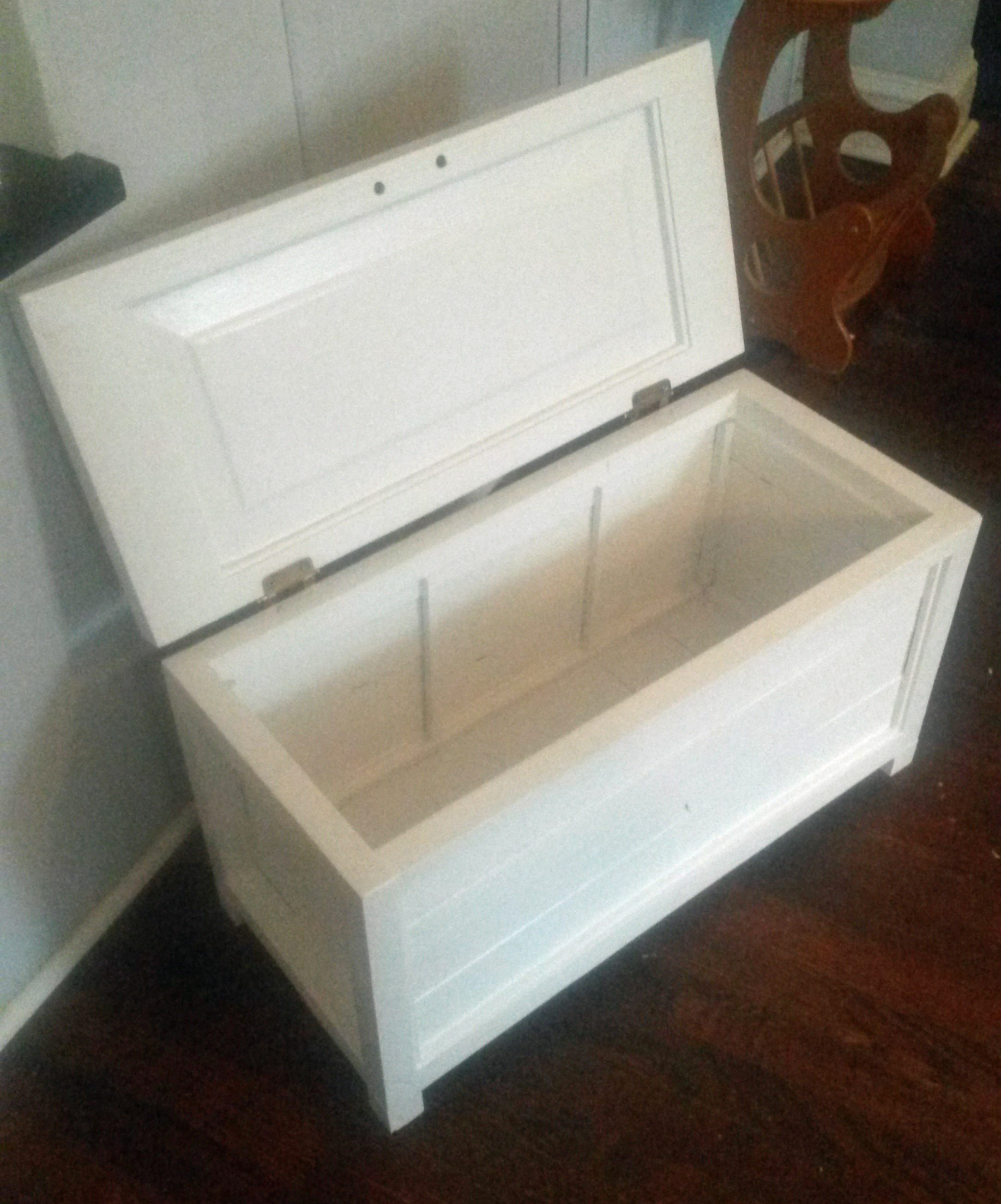 Picture of Small Blanket Box/Hope Chest