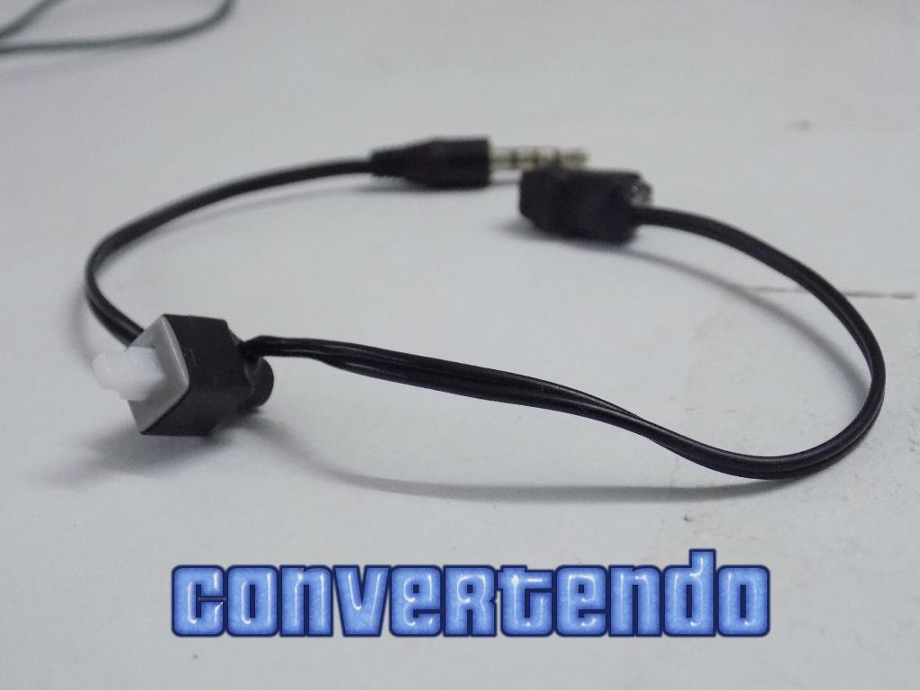 Picture of Universal Mini OMTP ↔ CTIA Adapter - Convertendo