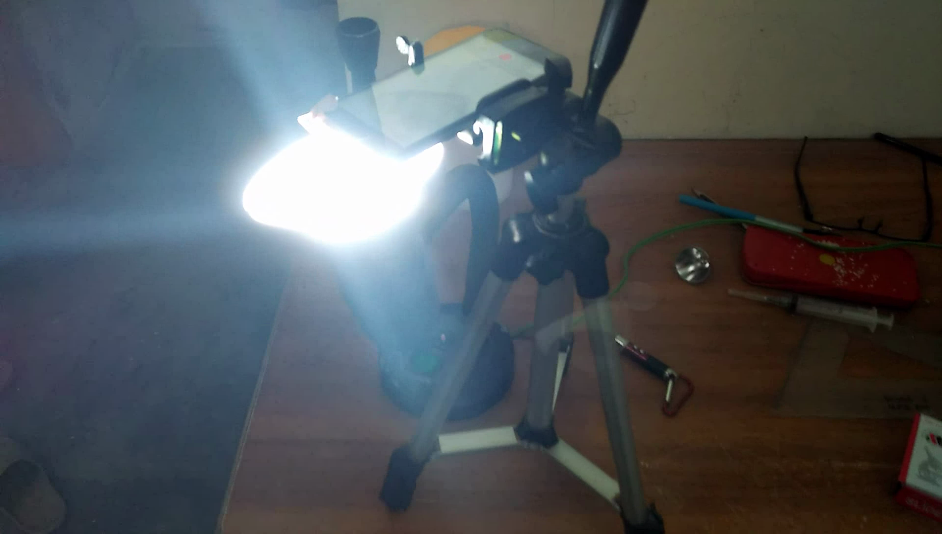 Picture of Use a Camera Stand to Focus Onto the Specimen.