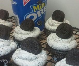 Oreo 'Suprise Inside' Mini Cupcakes