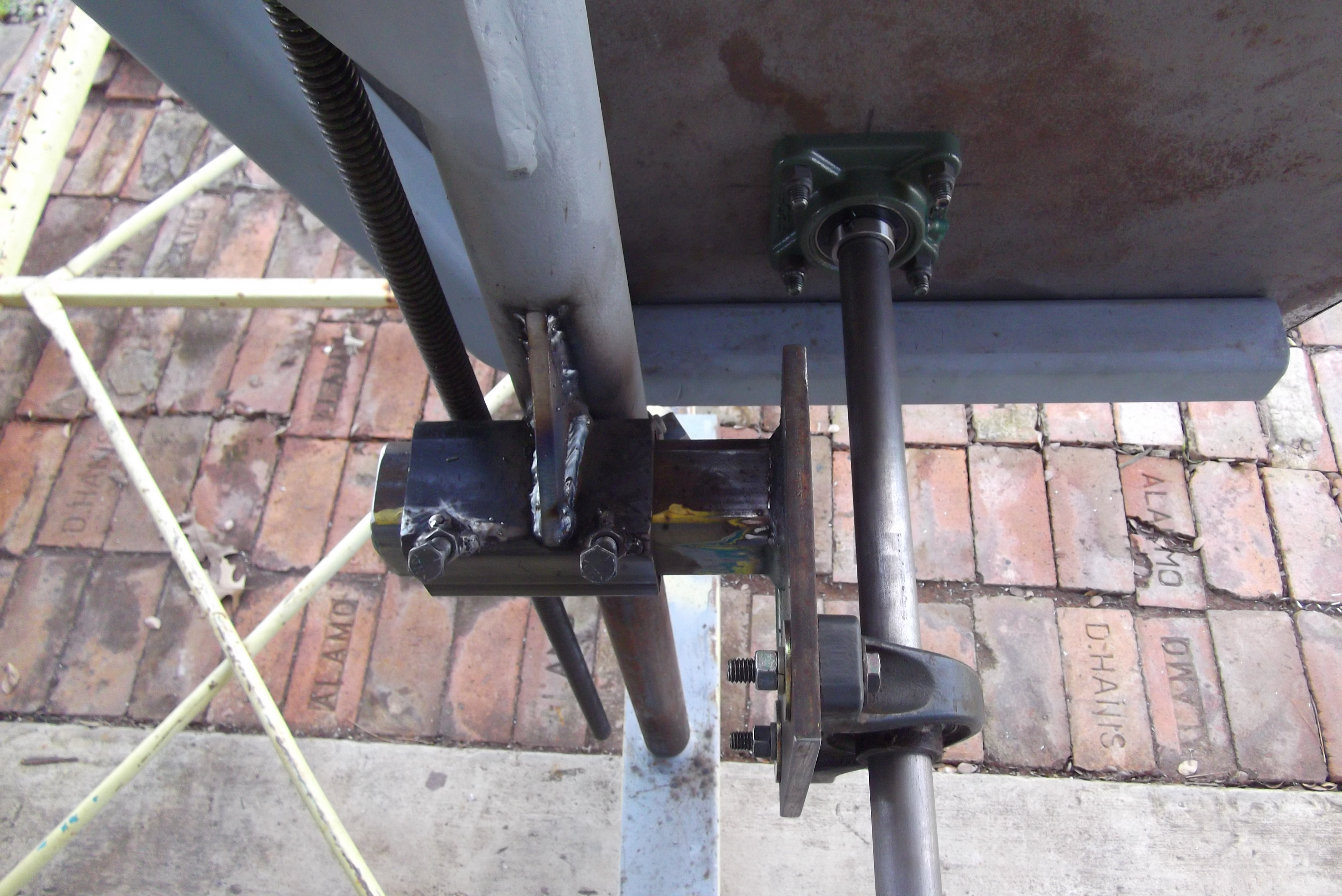 Picture of Mounting of the Left Axle Assembly