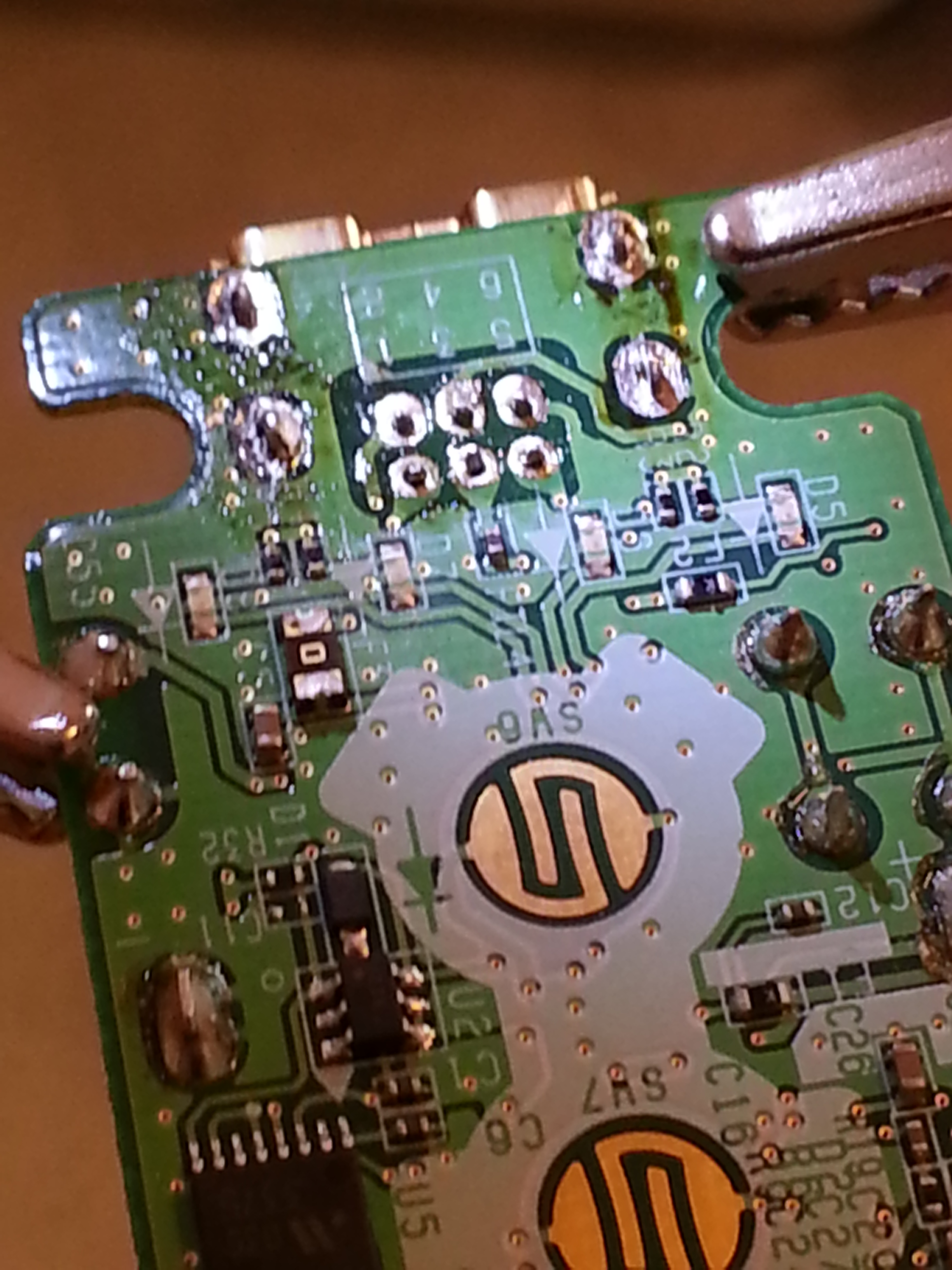 Picture of Desoldering - Wiimote and Game Boy