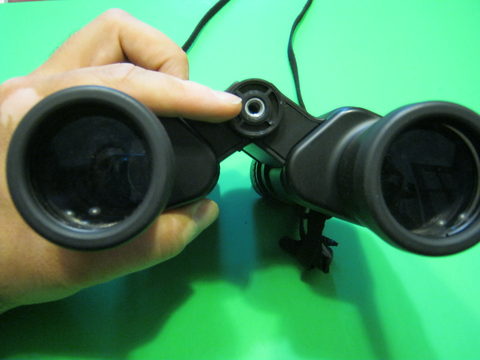 Picture of Attach Your Binoculars to the Bracket