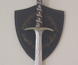 Sting - Bilbo's and Frodo's Sword w/ Shield Wall Mount