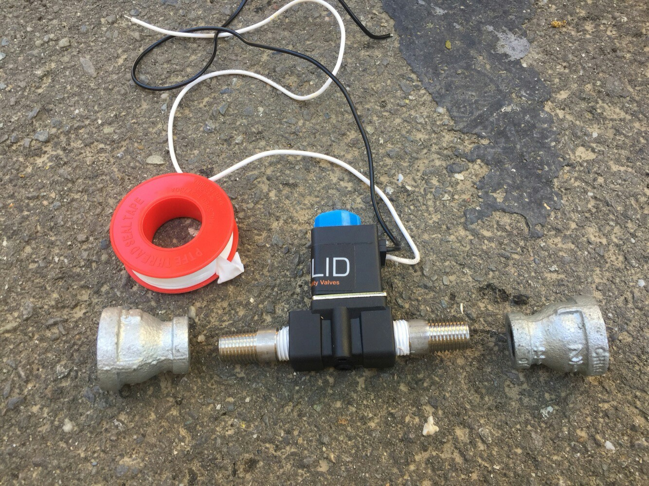 Picture of Solenoid Adaptors and Hoses