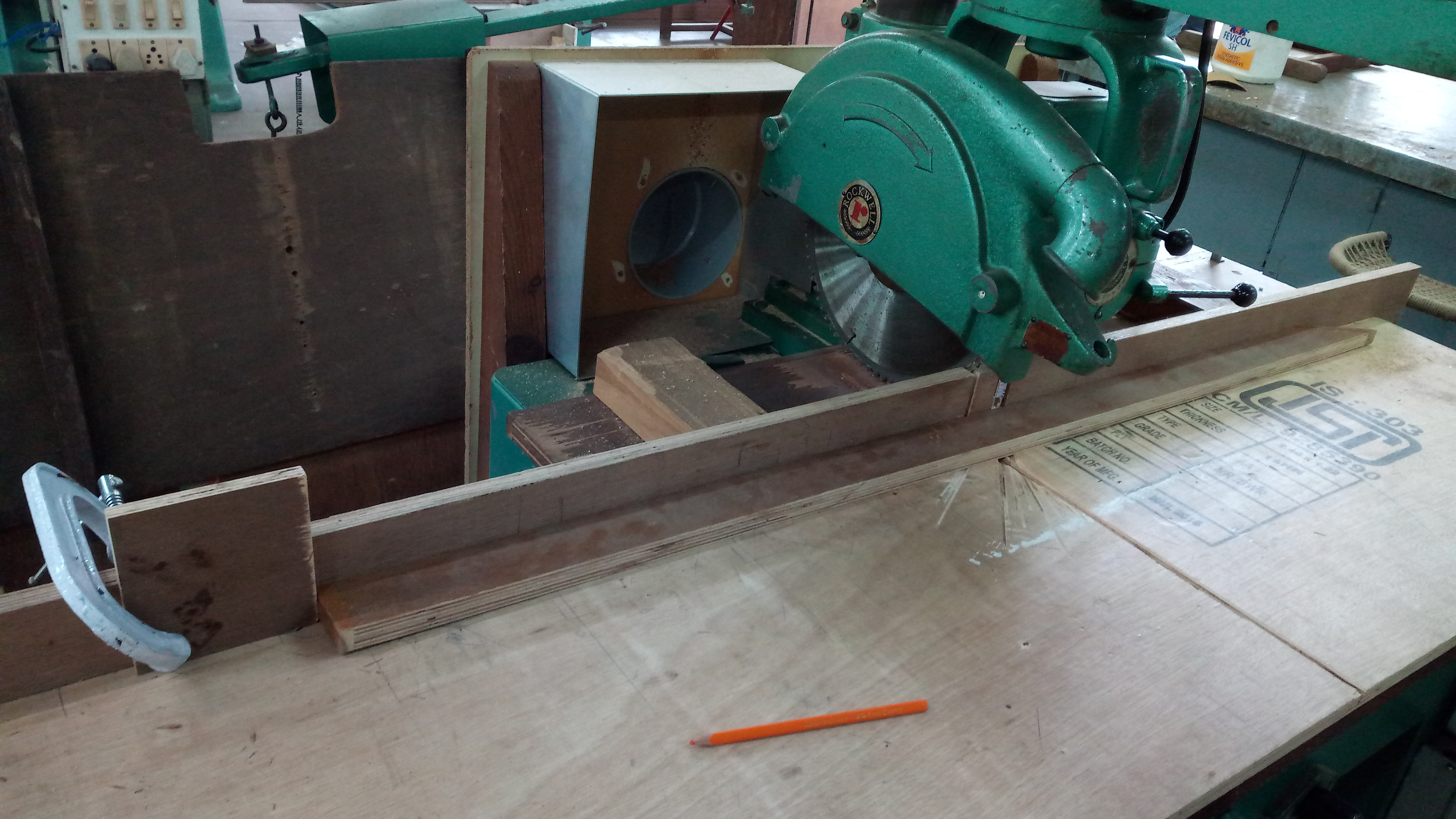 Picture of Dowels : Cutting