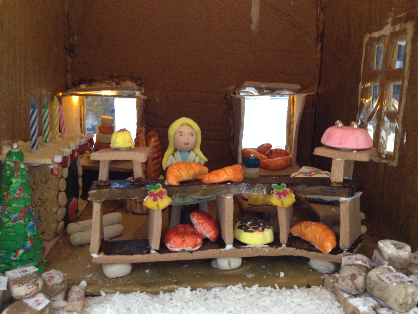 Picture of Gingerbread Bakery (Dollhouse Style)