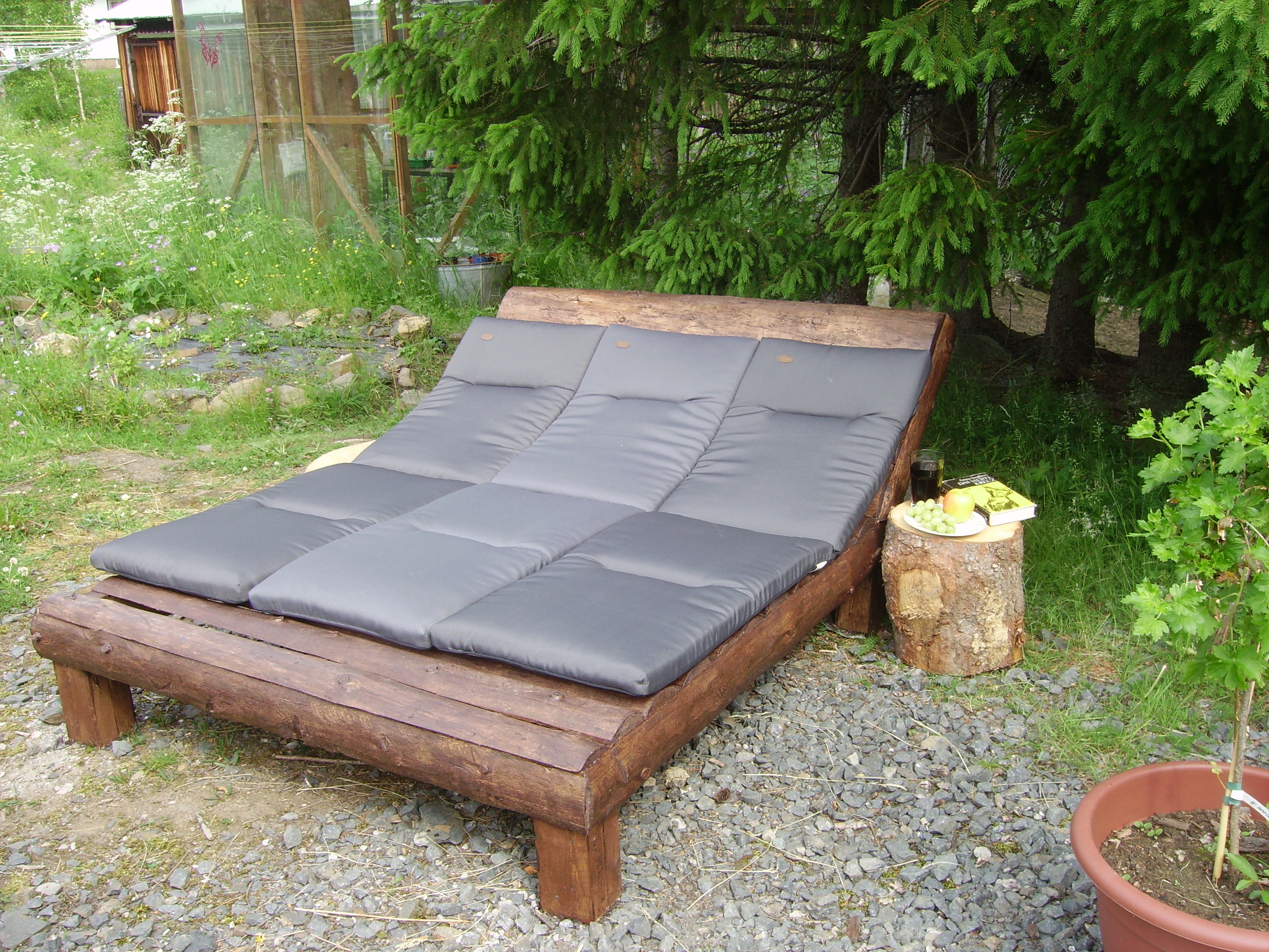 Picture of Lounge From 2x4s and Scrapwood