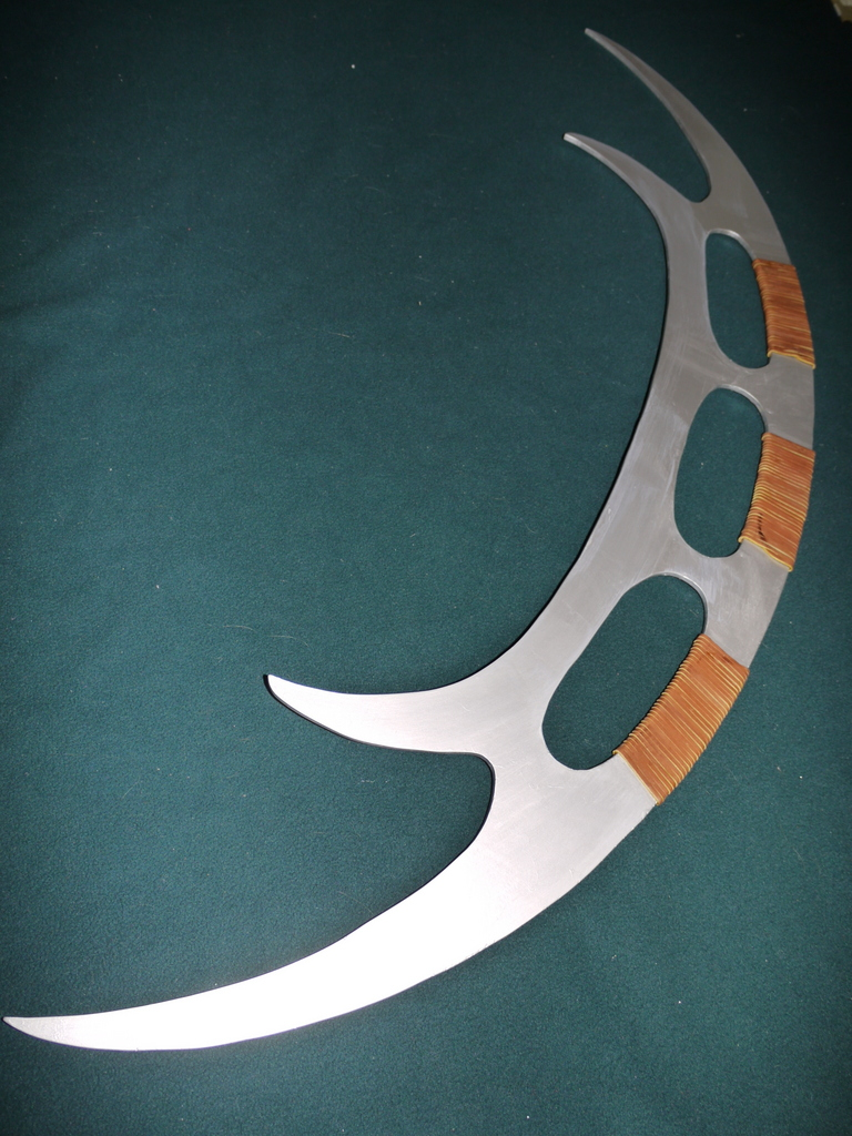Picture of Klingon Bat'leth Prop