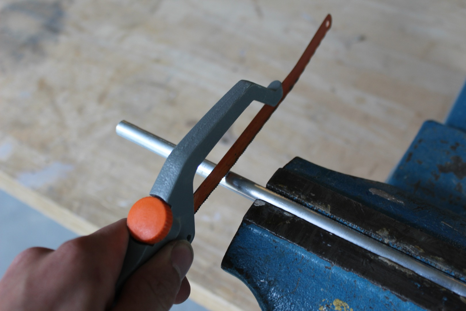 Picture of Saw the Aluminium Tube to the Correct Length