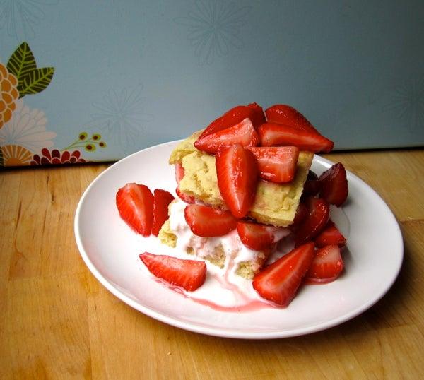 Easy Vegan Strawberry Shortcake