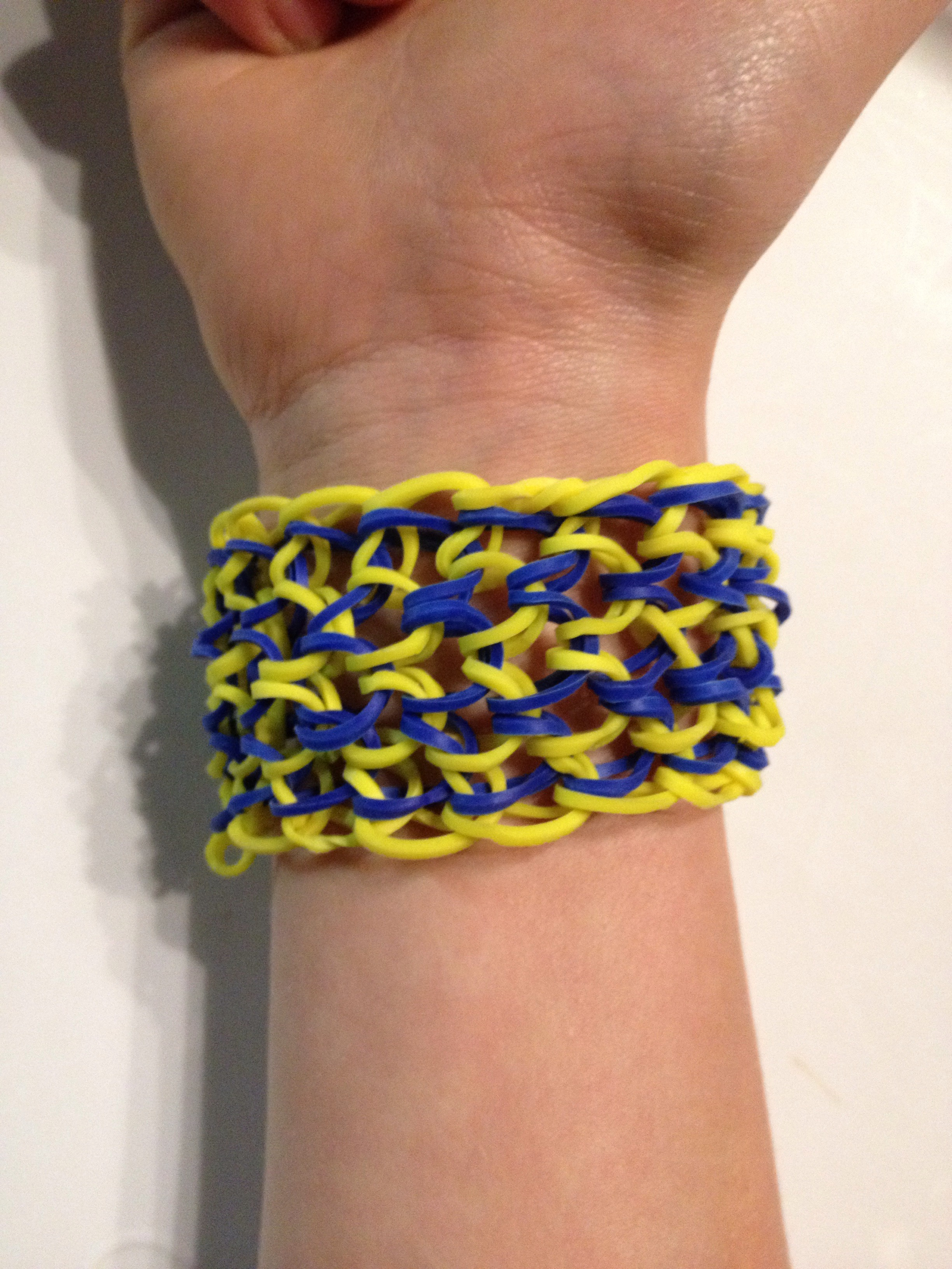 Picture of Dragon Scale Rubber Band Bracelet