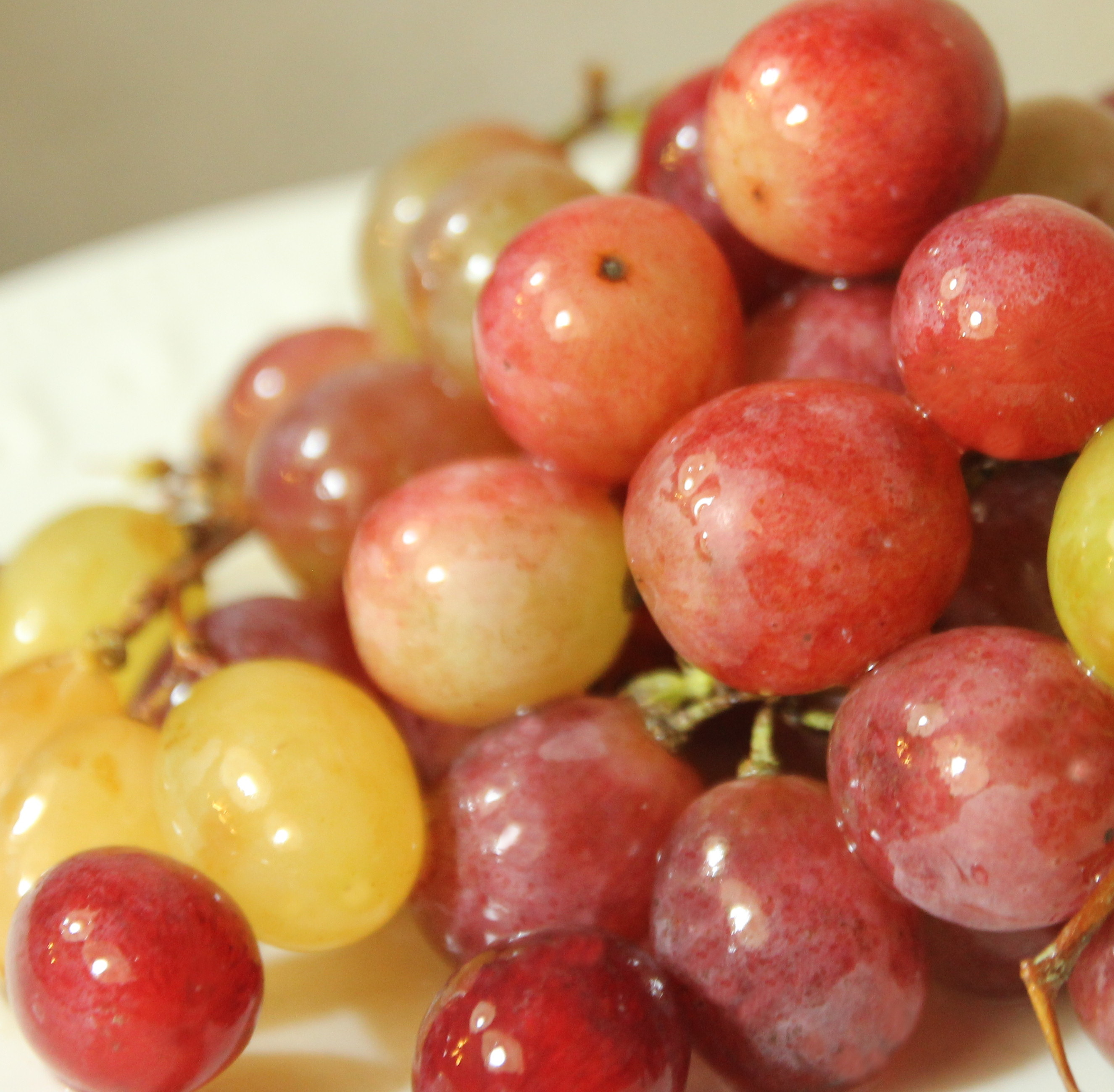 Picture of Mini Candy 'Apples' for Christmas - Gluten-free Organic Party Food