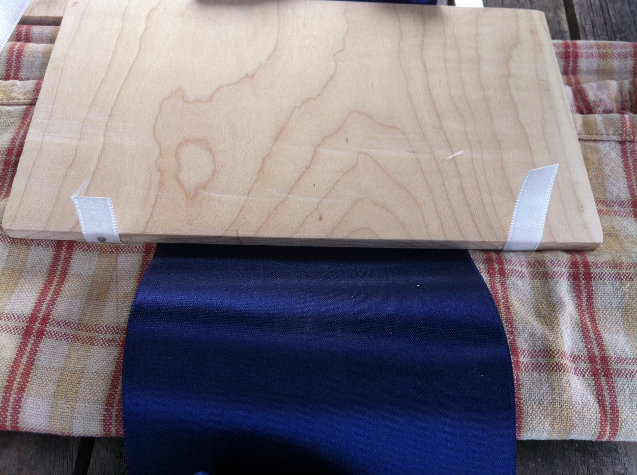 Picture of Attach Ribbons to First Tile, Then Subsequent Tiles.