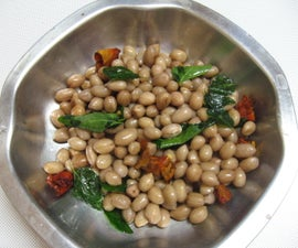 How to Prepare Raw Peanuts With Shells