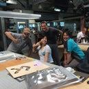 Pier 9 Team Build - LIGHT-UP BATWING MASSAGE HOT DOG BUN HUGGER
