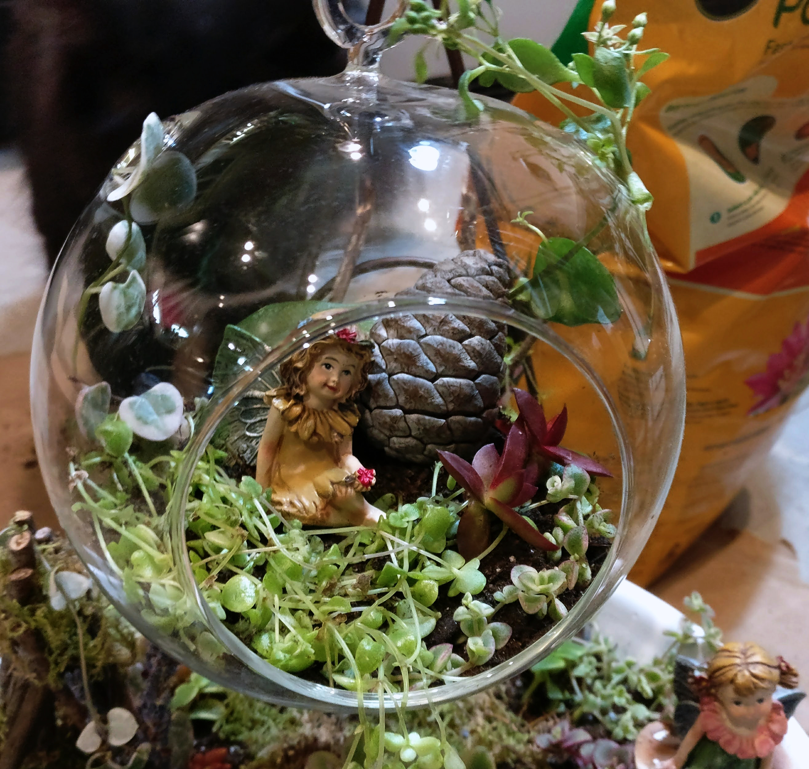 Picture of Decorating the Crystal Ball