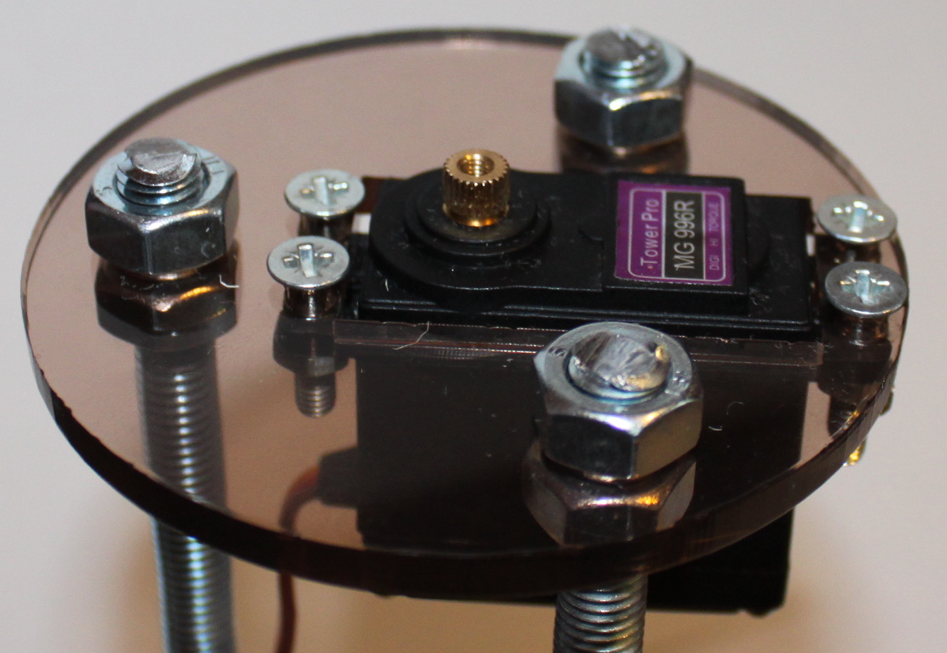 Picture of Mounting First Servo