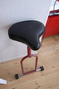 Ergonomic Stool Made From an Old Exercisebicycle