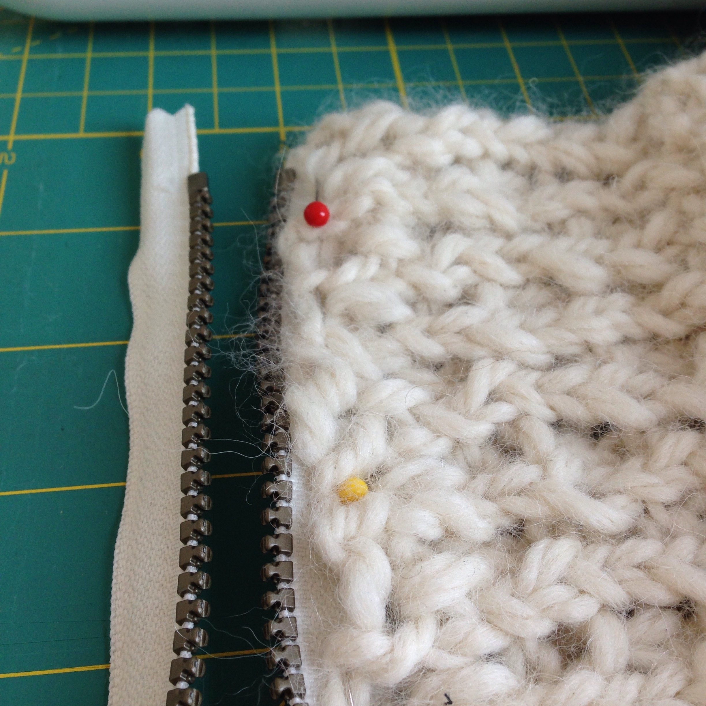 Picture of Pin and Sew the Zipper on One Side
