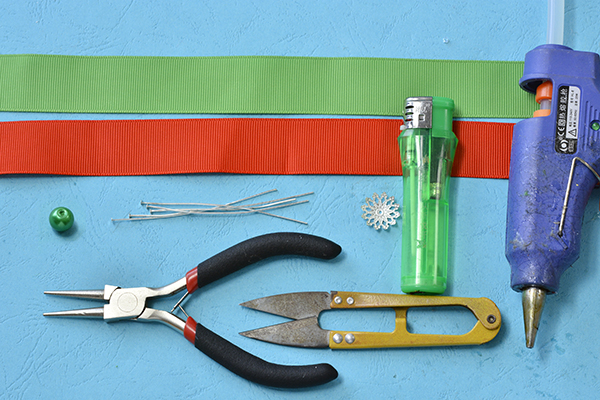 Picture of Materials and Tools Needed in Making the Easy Christmas Tree Ornament: