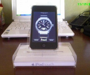 IPod Touch 3rd Gen Crystal-clear Cradle