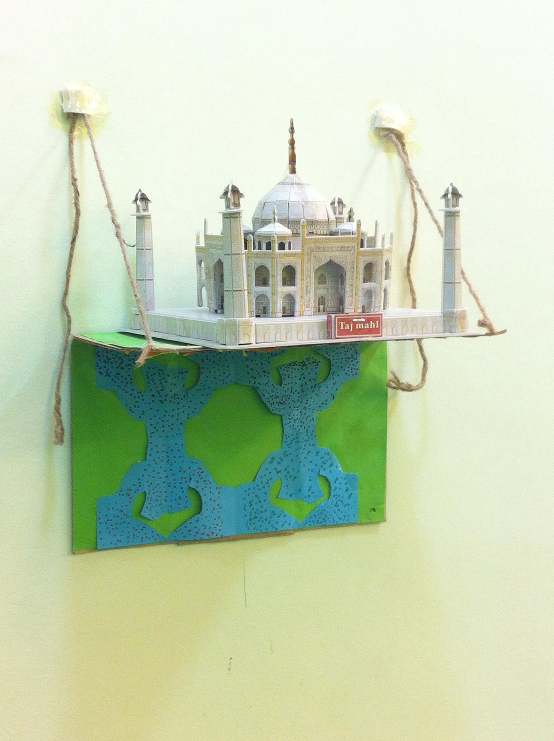 Picture of Simple Cardboard Shelf