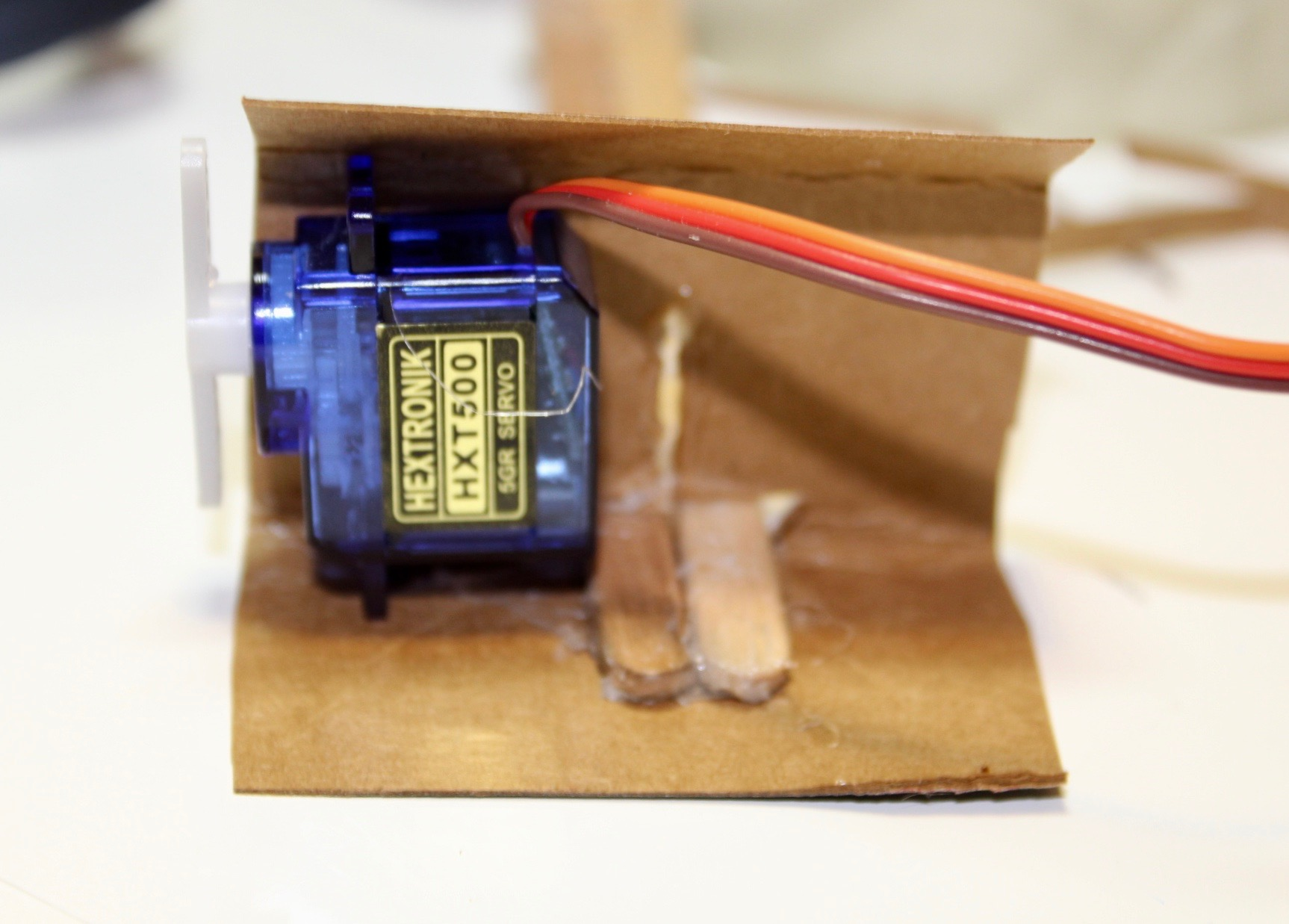 Picture of Calibrating and Gluing the Servo Motor