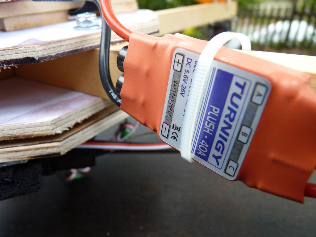 Picture of El Control Electrónico De Velocidad (CEV), Los Motores, La Orientación, Las Hélices