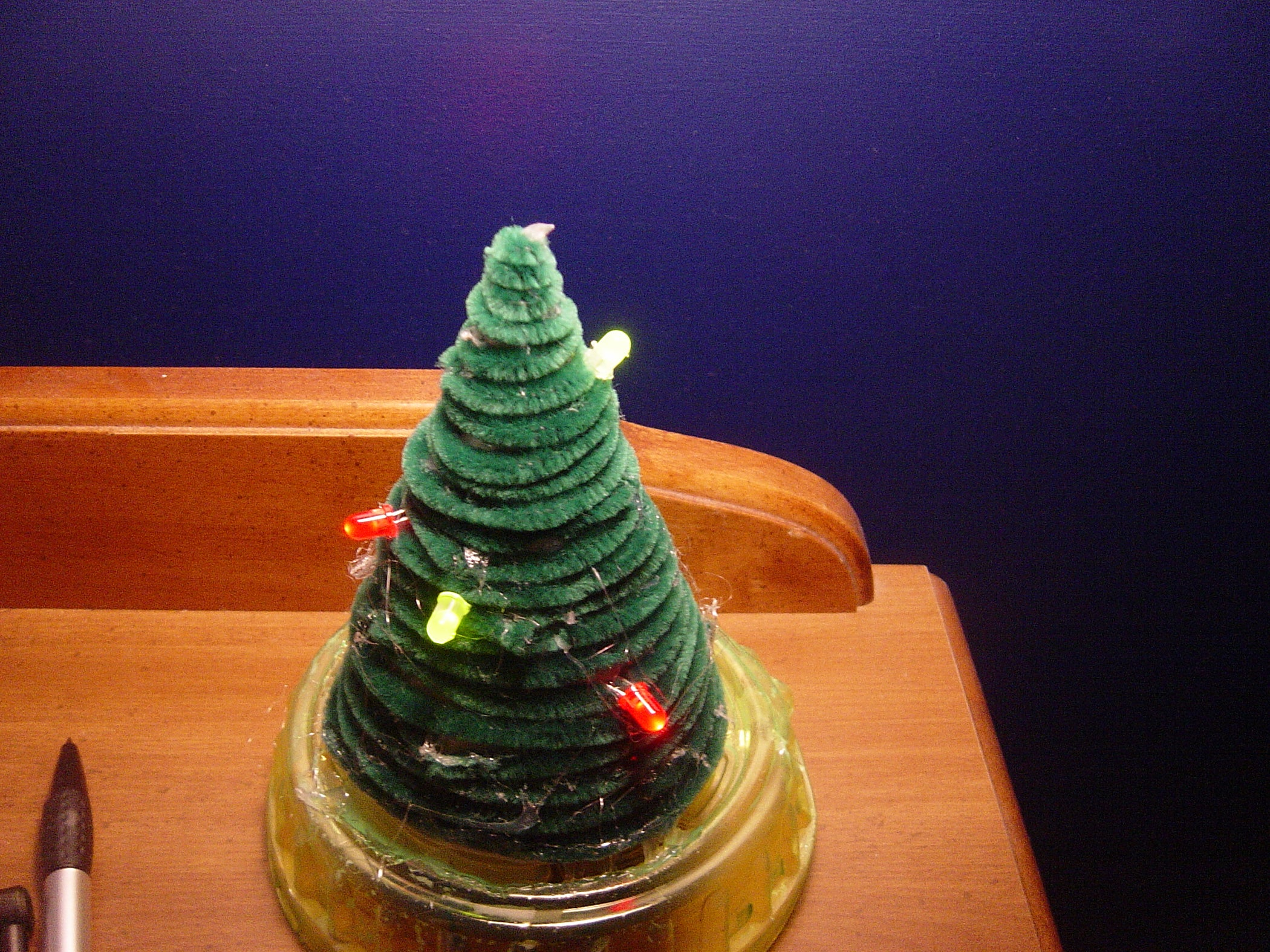 Mini Christmas Tree With Lights 5 Steps