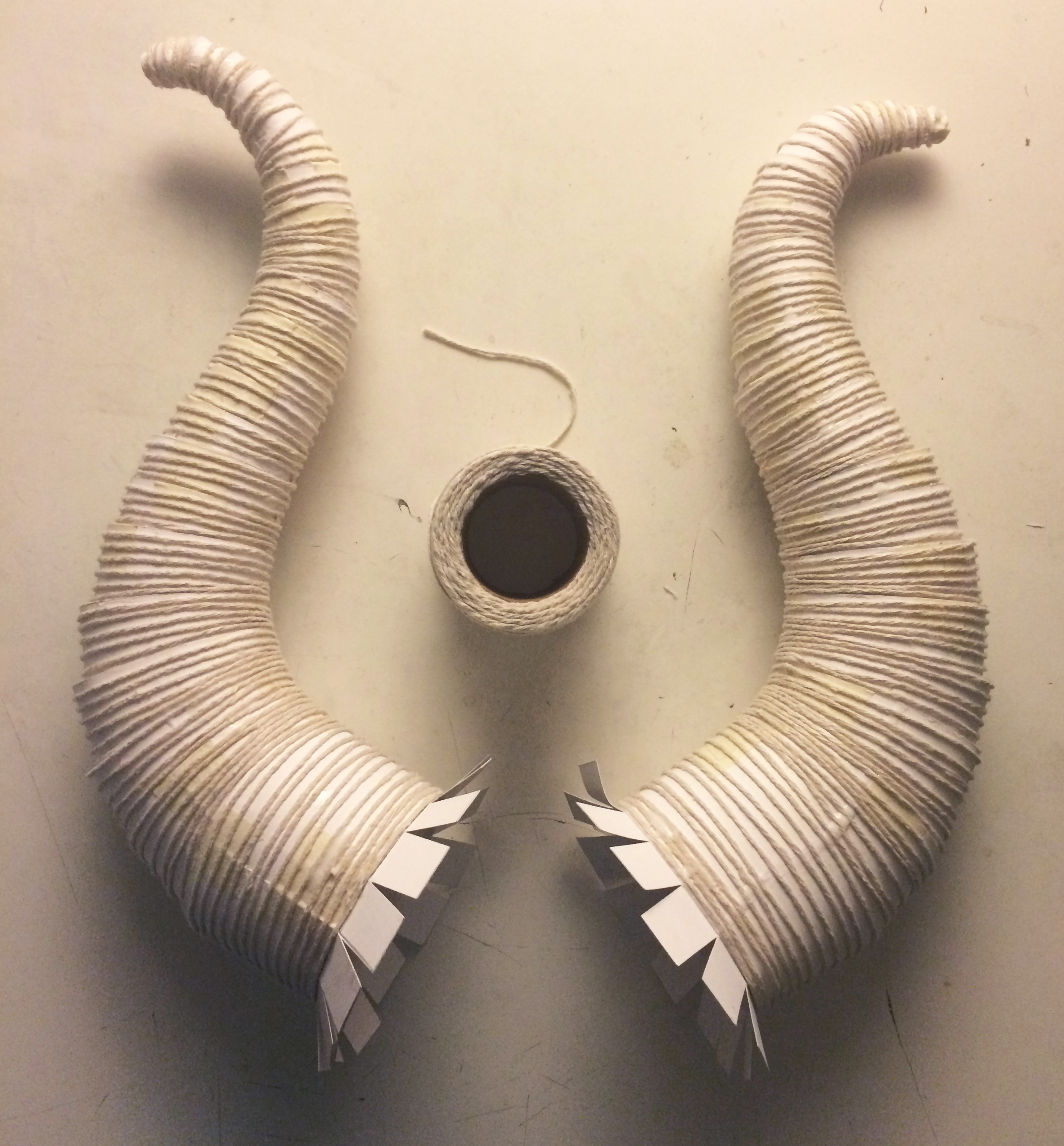Picture of Glue String Onto the Horn for Texture
